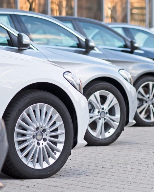 zakelijk auto leasen en direct leasebedrag berekenen