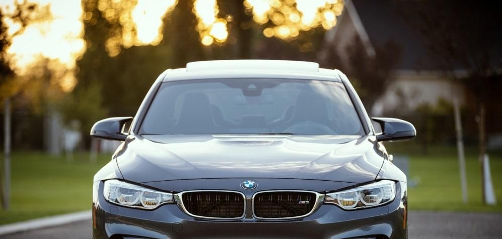 Rijdt u BMW of Porsche? Dan wordt u voor de gek houden – autoweetjes