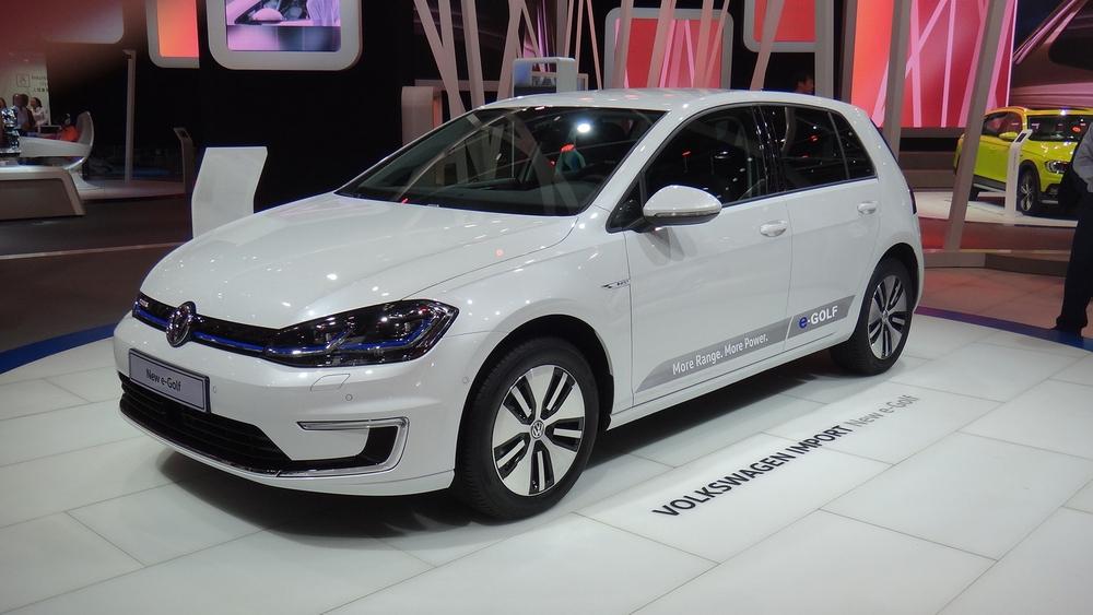 De prijs elektrische auto daalt snel