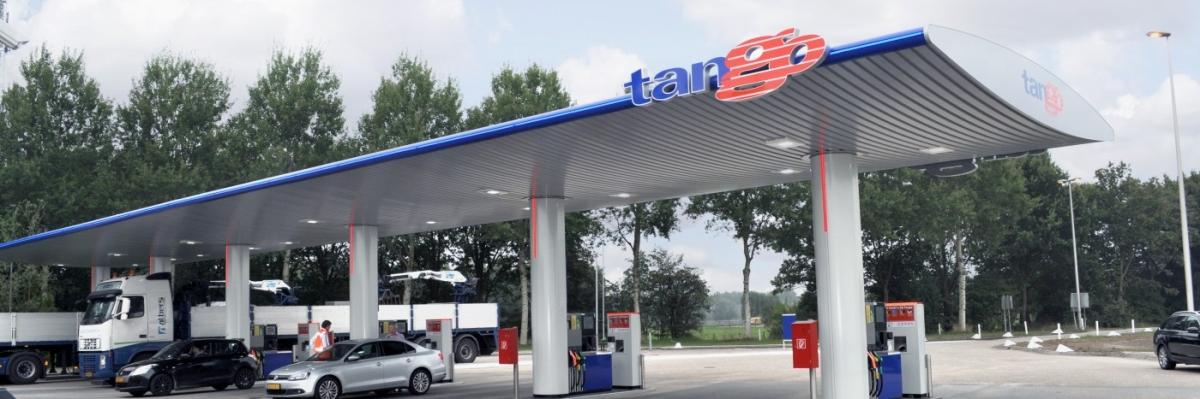 Hoe komt het dat het aantal onbemande tankstations is verviervoudigd?
