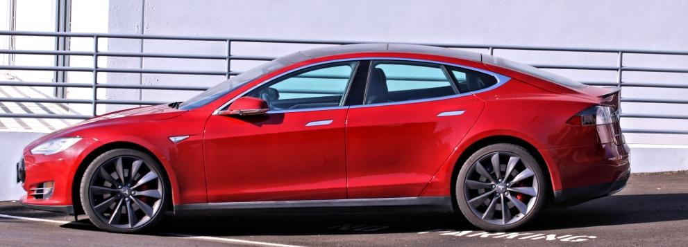 bezitter elektrische auto oogst veel bekeuringen