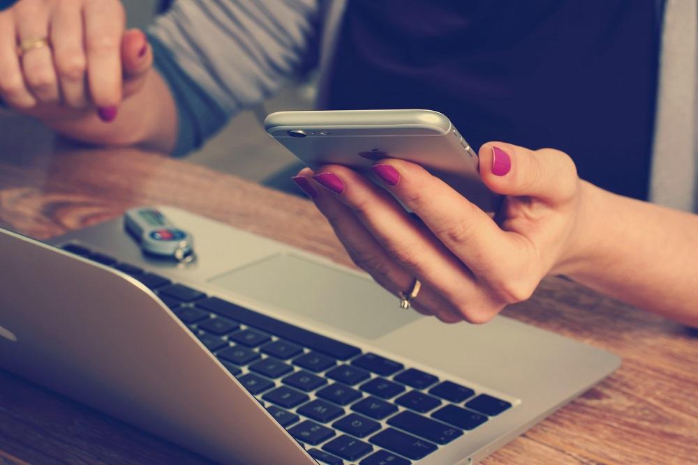 Gebruiker koopt een nieuwe-smartphone pas bij bijna 3 jaar
