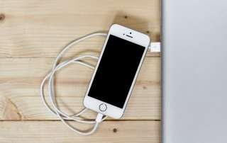 Vijf slimme tips voor telefoon opladen