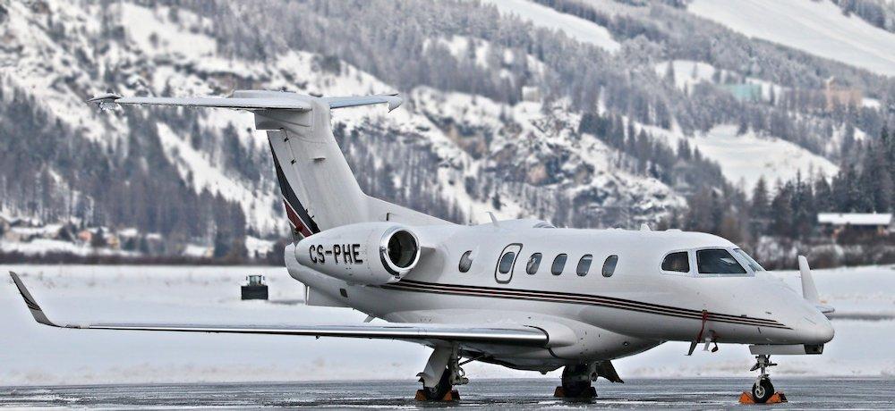 Zelfs bouwvakkers nemen nu soms een privévliegtuig