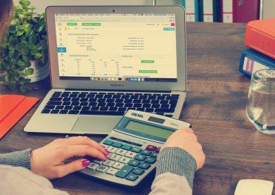 Hoe kan je als ondernemer kosten besparen op de boekhouding?