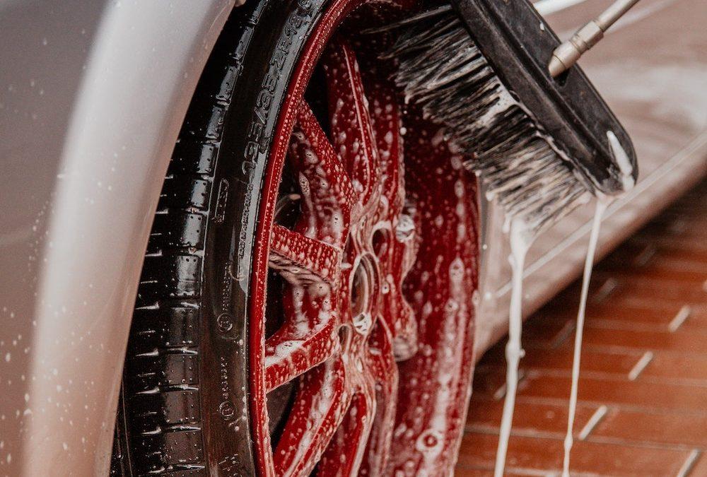 Waarom de carwash het van handmatig wassen wint