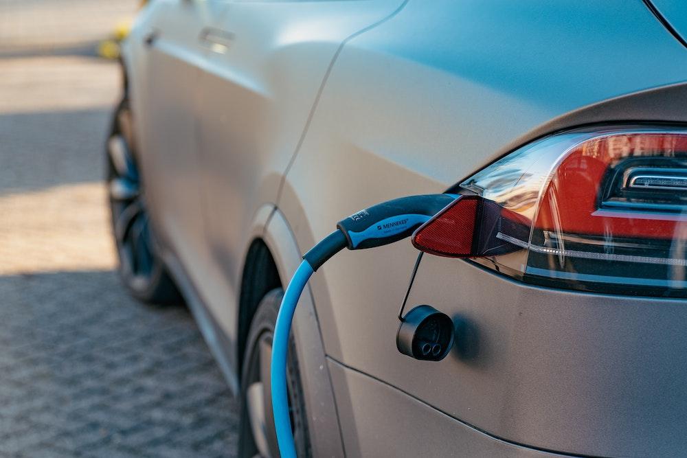 Drie mogelijkheden van elektrische auto opladen